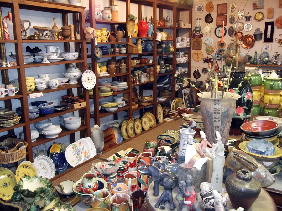 Boutique de cadeaux et produits regionaux du quercy cahors boutique de cadea - Grand magasin de jouet a londres ...